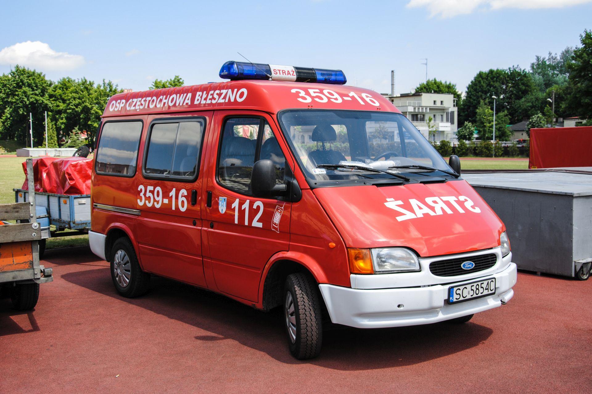 359[S]16 SLKw Ford Transit